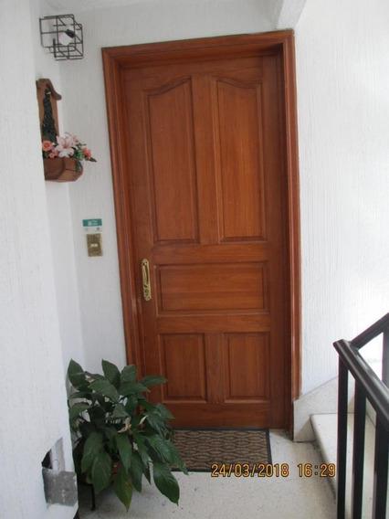 Departamento En Conjunto Habitacional Tranquilo, Col. Anahuac.