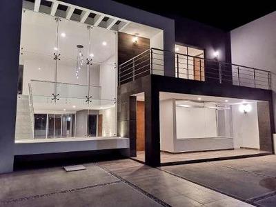 Hermosa Residencia En Venta En La Zona Esmeralda