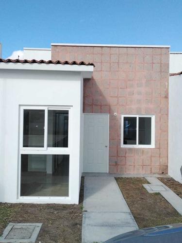 Imagen 1 de 11 de Hermosa Casa Centrica De Un Piso Nueva