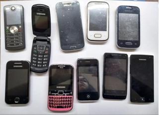 Lote Com 10 Celulares Samsung E Motorola No Estado