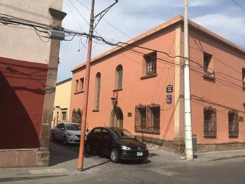 Se Vende Casa En El Centro De La Ciudad