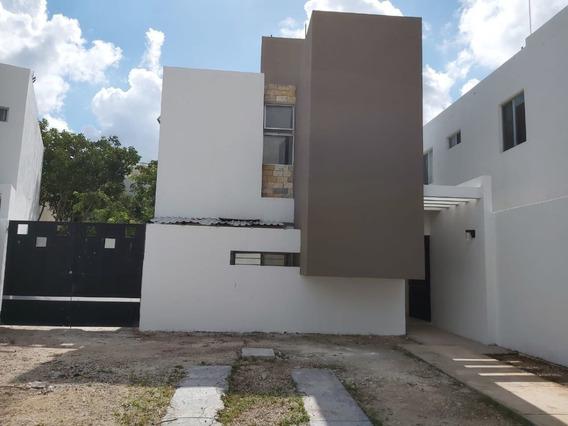 Casa En Venta Residencial Habitare, Enfrente De Parque A Un Lado De Las Américas