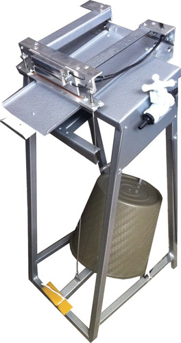Selladora Llenadora De Liquidos De Pedal Bolis Sabalitos C10