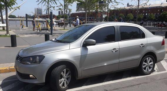 Volkswagen Voyage Highline Full 2014 Dueño Directo