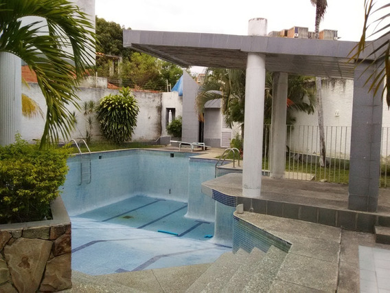 Impecable Quinta / Yoseline Pedra 04243366172