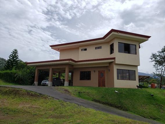 Casa Amueblada Con Impresionantes Vistas En Alquiler $1350