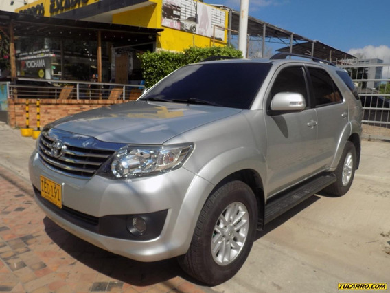 Toyota Fortuner Urbana 2.7 4x2 At