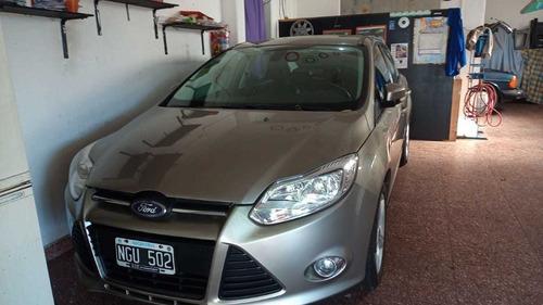 Ford Focus Iii 2.0 Sedan Se Plus Mt 2013