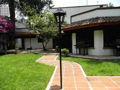 Casa Colonial Una Planta En Venta O Renta Pedregal