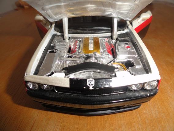 Dodge Challenger Escala 1/24 Maisto Usado Ótimo Estado Veja