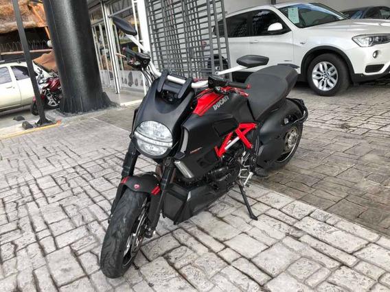 Ducati Diavel Carbon 2011 Rojo