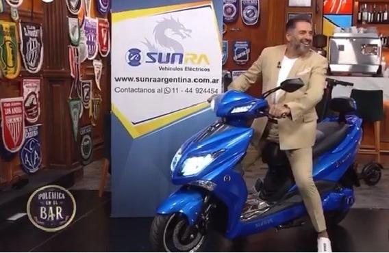 Moto Eléctrica De Polémica En El Bar - Viñolo Vehículos/g
