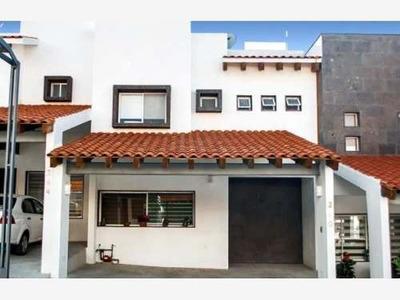 Casa En Venta En Fraccionamiento Terranova En Zona Sur Oriente, En Tuxtla