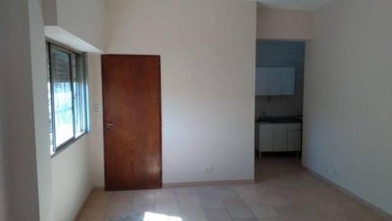 Departamento De Tres Ambientes En Alquiler, San Miguel