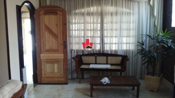 Casa Térrea Com 3 Dormitórios Sendo 1 Suíte E 3 Vagas, Em Ponte Rasa. - Pe27529