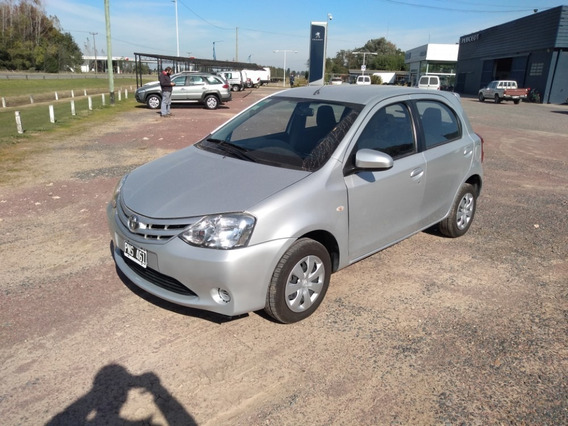 [lob] Toyota - Etios Xs 6mt 5p 1.5 N 2016
