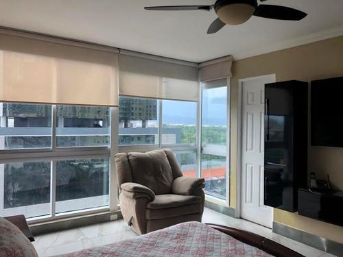 Venta De Apartamento En Sol Del Este, Costa Del Este 20-6176