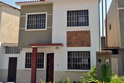 Casa Urbanizacion Bonaterra 2 Plantas 430 Incluida Alicuota