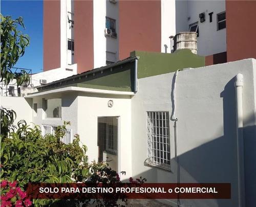 Casa En Venta En Saavedra Con Patio -  Solo Para Destino Comercial / Profesional