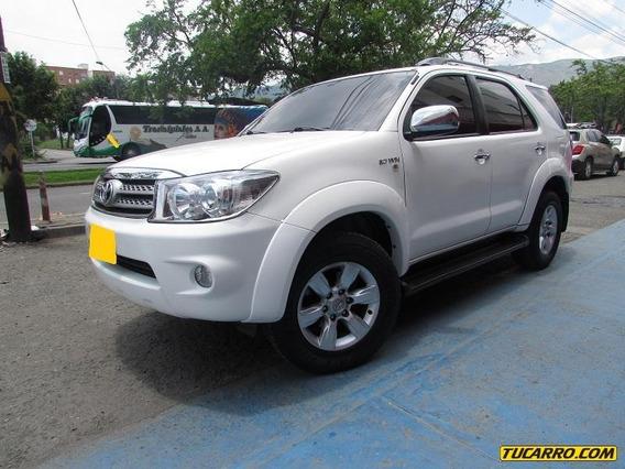 Toyota Fortuner 2. 7