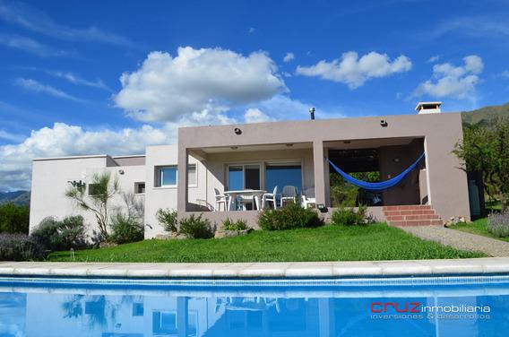 Casa De 156m2 En Barrio Cascadas En Carpinteria, San Luis !