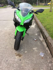 Moto Kawasaki Ninja 300