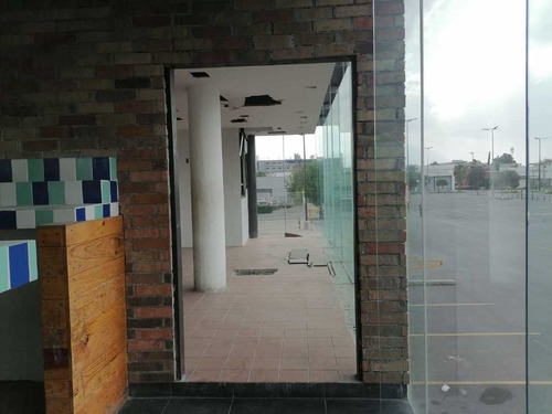 Imagen 1 de 10 de Local Plaza Comercial En Renta, Guadalupe, Nuevo León