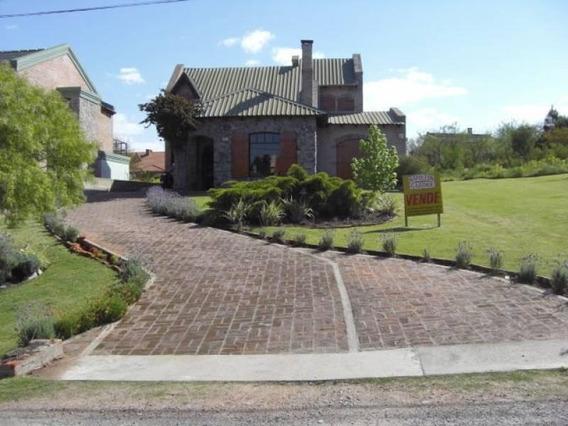 Excelente Casa En Zona Residencial De Real De San Carlos