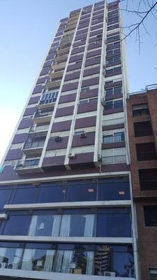Calle 6 Entre 50 Y 51 - 2 Dorm- Al Frente- 2 Baños-excelente
