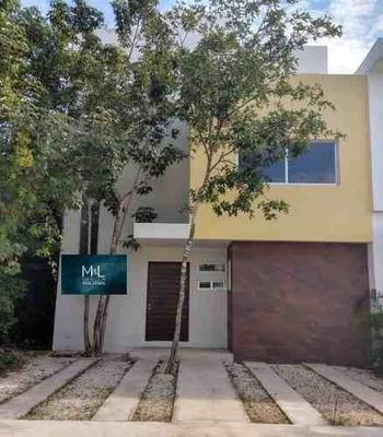 Aqua Residencial, Casa En Venta De 3 Recámaras Y Alberca. Cancún, Quintana Roo