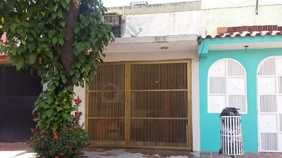 Ls* Vendo Acogedora Casa Ubicada En Urb. Parque Valencia!!