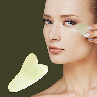 Masajeador Facial Modelo Grande Piedra Guasha Jade Verde