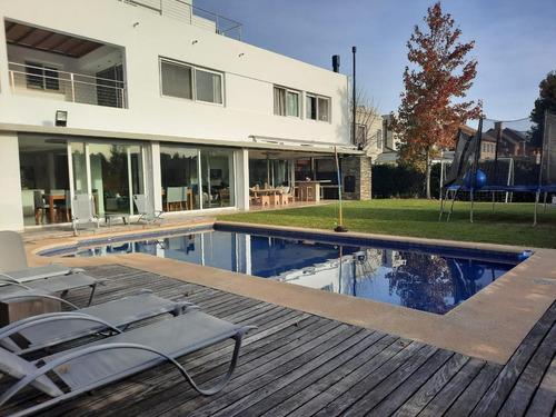 Excelente Casa - Rincon Del Arca- La Mejor!  Hiper Moderna, Reciclada Totalmente En  2012