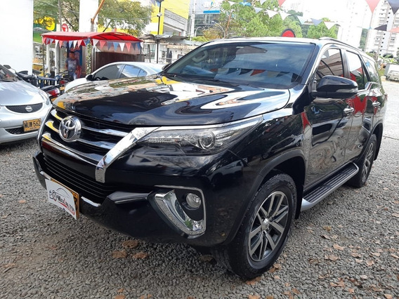Toyota,fortuner,2017,unico Dueño,55.400kms,negro,4x4,diesel