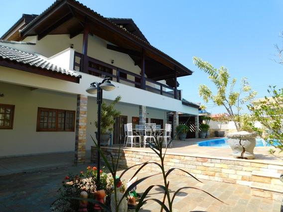 Casa Duplex Mobiliada Com Piscina Em Peruíbe Á Venda.