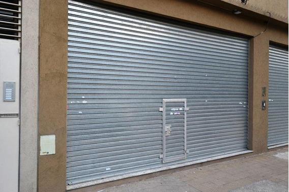 Local | Las Heras Al 3200
