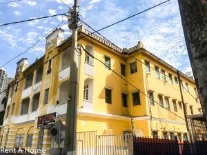 Venta Sólido Edificio En La Chiqui Y Junior Bella Vista Pana