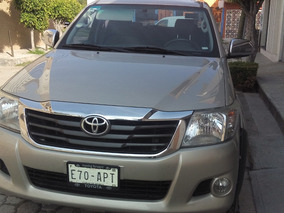 Toyota Hilux 2.7 Cabina Doble Base Mt