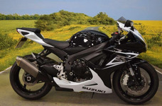 Suzuki Gsxr 600 - No Yamaha R6 Kawasaki Zx6r Honda Cbr 600