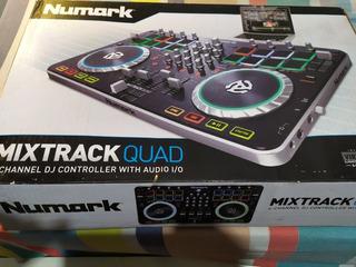 Consola Numark Mixtrack Quad