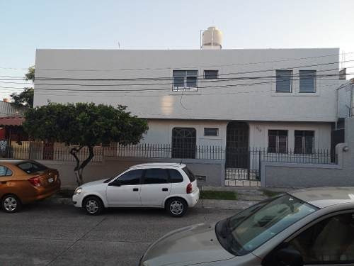 Casa En Renta En Zapopan, Colonia Arcos De Zapopan
