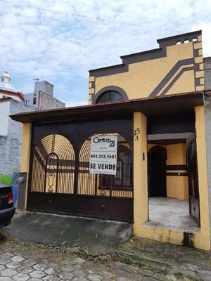 Bonita Casa En Venta Villa Tzipekua