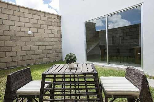 Bonita Casa En Venta En Azafran