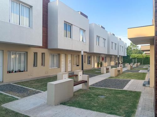 Venta De Duplex 4 Ambientes En Las Cañitas Muñiz San Miguel