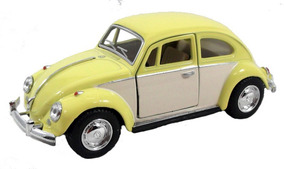 Fusca De Metal Amarelo Saia Blusa 1967 1/32 Volks Miniatura