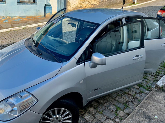 Nissan Tiida Sedan 1.8 Flex 4p 2012
