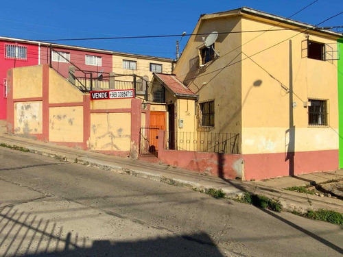 Imagen 1 de 29 de Casa Cerro Larrian, Valparaiso