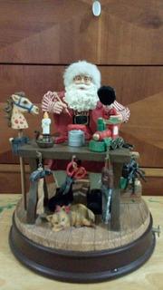Santa Claus En El Taller Musical De Cuerda