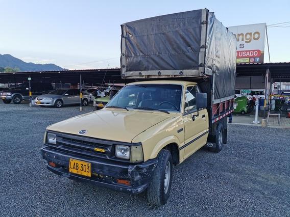 Mazda B2000 Estaca