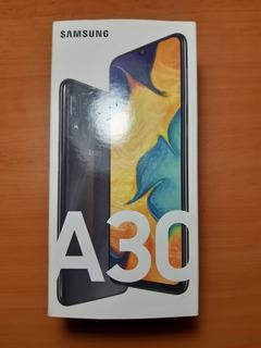 Celular Samsung Galaxy A30 Poco Uso